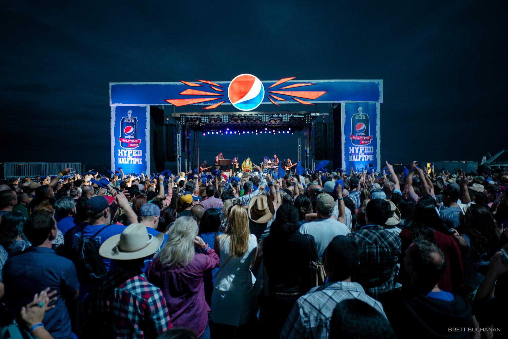 Brett-Buchanan-Pepsi-Superbowl-Blake-Shelton-15