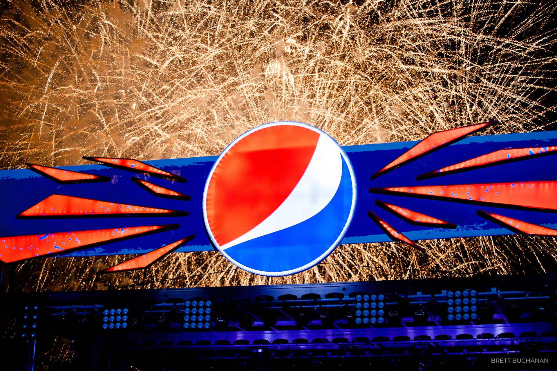 Brett-Buchanan-Pepsi-Superbowl-Blake-Shelton-18